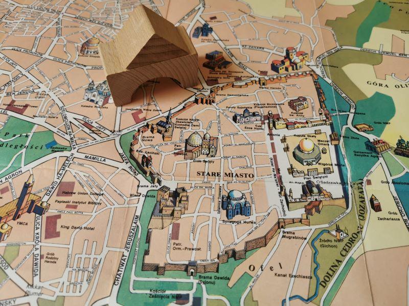Odcinek 5 jest opisem subiektywnego spaceru po Starym Mieście w Jerozolimie