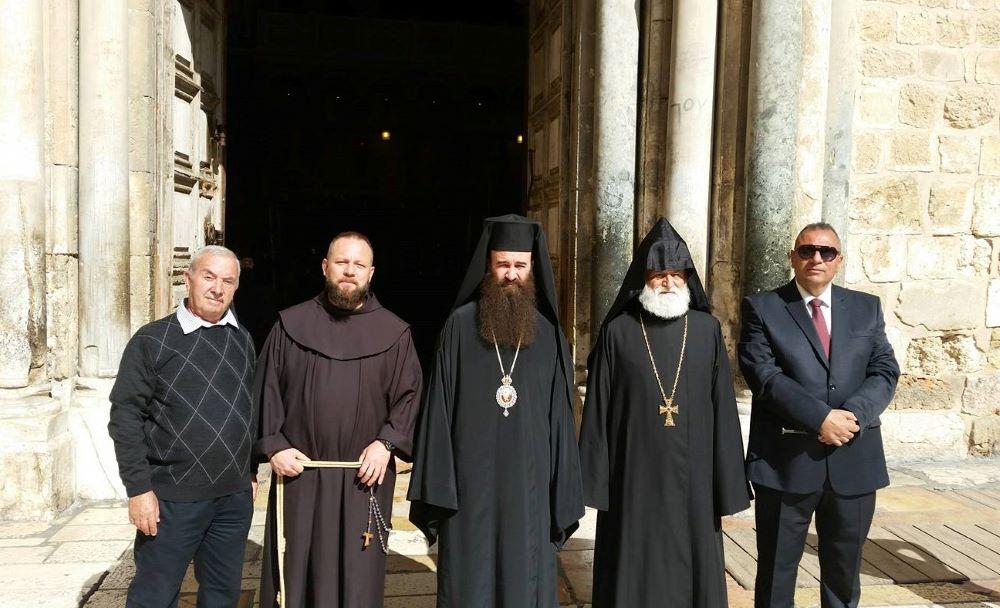 Odcinek 10 jest rozmową z o. Zacheuszem Drążkime OFM o historii franciszkanów w Ziemi Świętej i Bazylice Grobu Świętego
