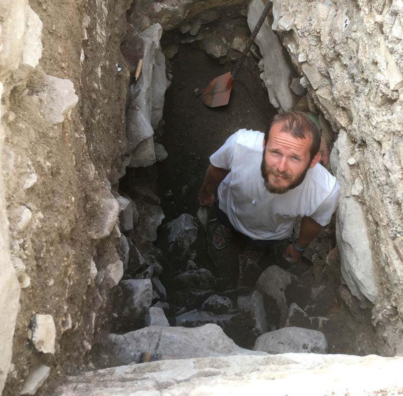 Odcinek 17 jest rozmową z Maciejem Wacławikiem o pracach archeologicznych w Izraelu
