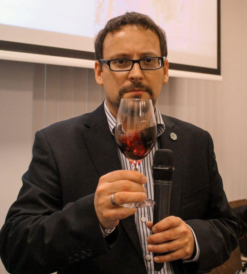 Odcinek 18 jest rozmową z dr Michałem Bardelem na temat najlepszych win z Izraela